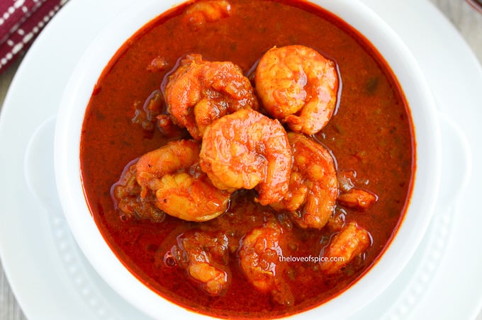 a bowl of mangalorean prawns curry