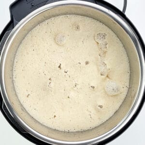 top shot of well fermented idli batter
